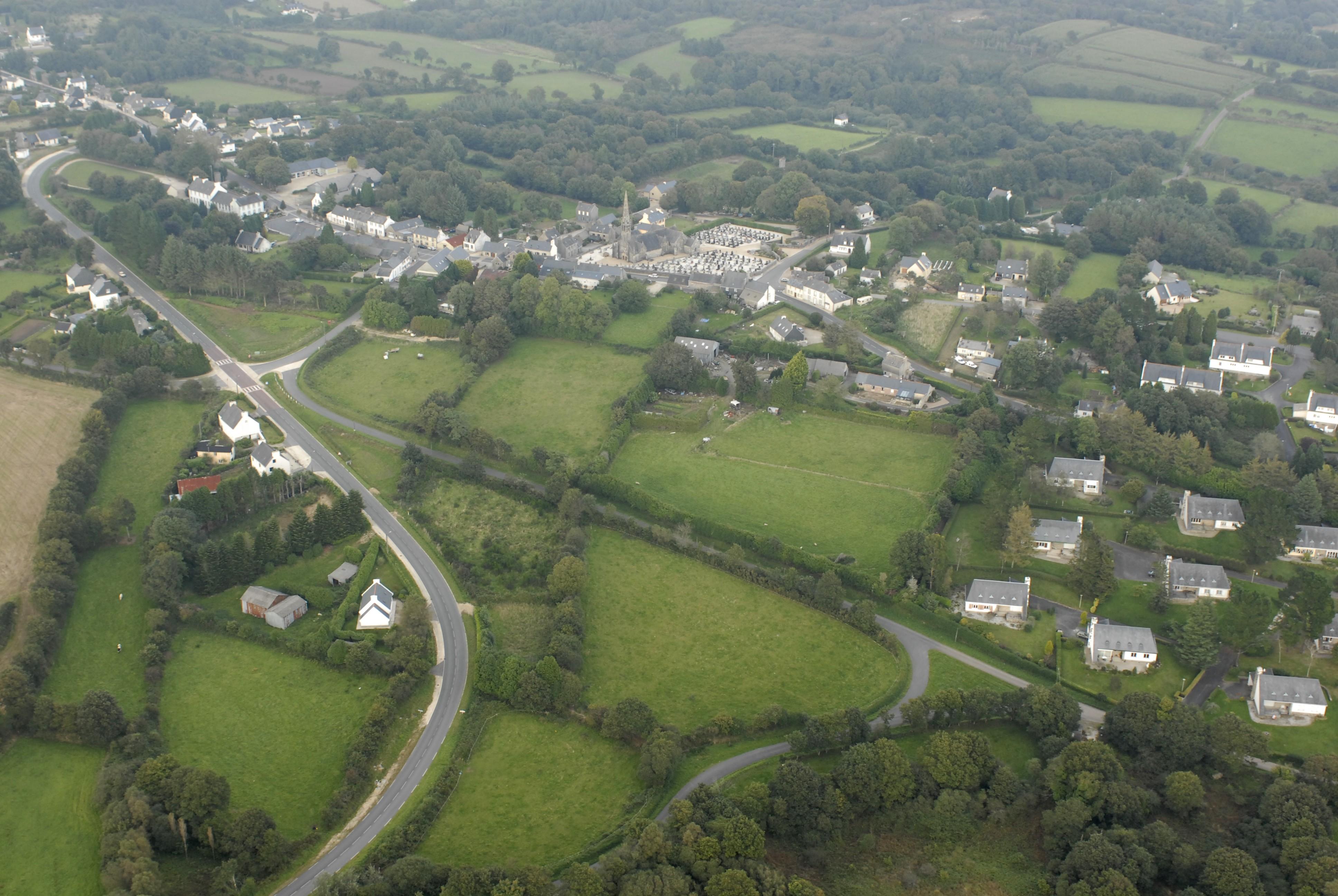 Vue aérienne du bourg prise depuis le sud-ouest